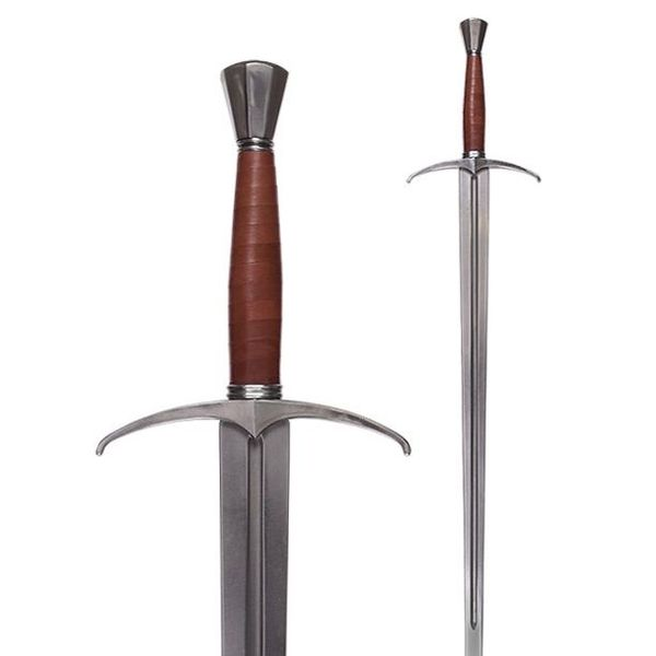 Armour Class Hand-e-un-metà spada (in azione)