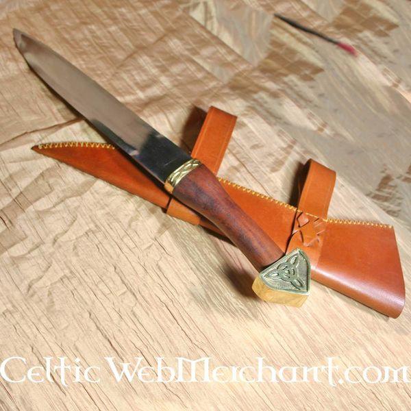 Deepeeka Triquetra Seax z drewnianą rączką