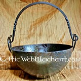 Large pan with hinge
