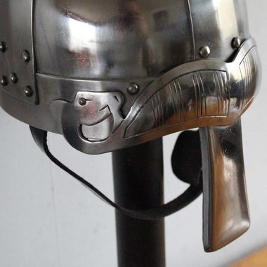 Spangenhelm with eyebrows