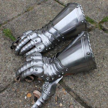 Gotische ridderhandschoenen