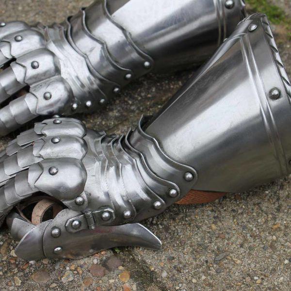 Guanti d'arme da cavaliere gotici