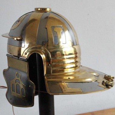Imperial Italic galea D, Gelduba