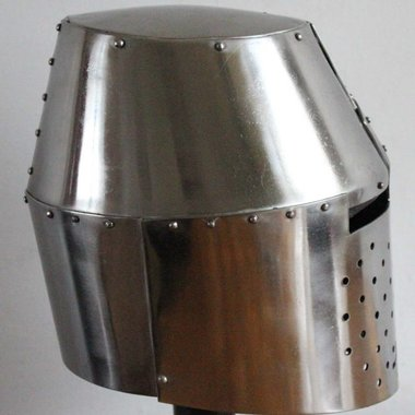 Great helmet (Sir Richard Pembridge)