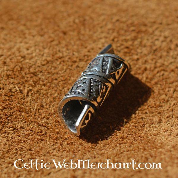 Beardbead argent avec des inscriptions runiques