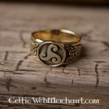 Celtic ring trisquelion