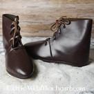Middeleeuwse enkellaarzen met schoennagels