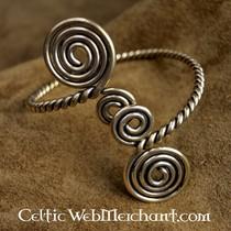Celtic upper bracelet with spirals