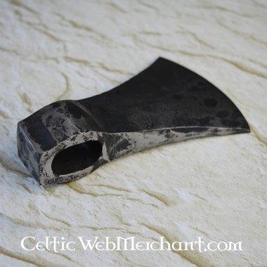 Battle-ready axehead, old
