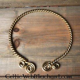 Torque con espirales celtas