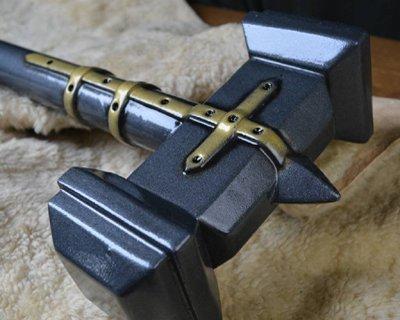 Hachas y armas de percusión LARP