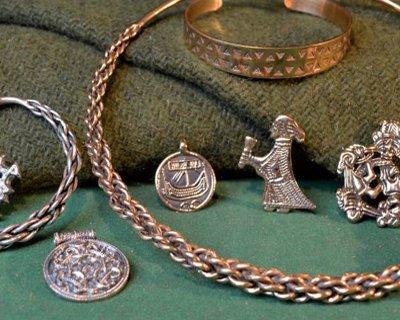 Ręcznie robiona biżuteria Viking