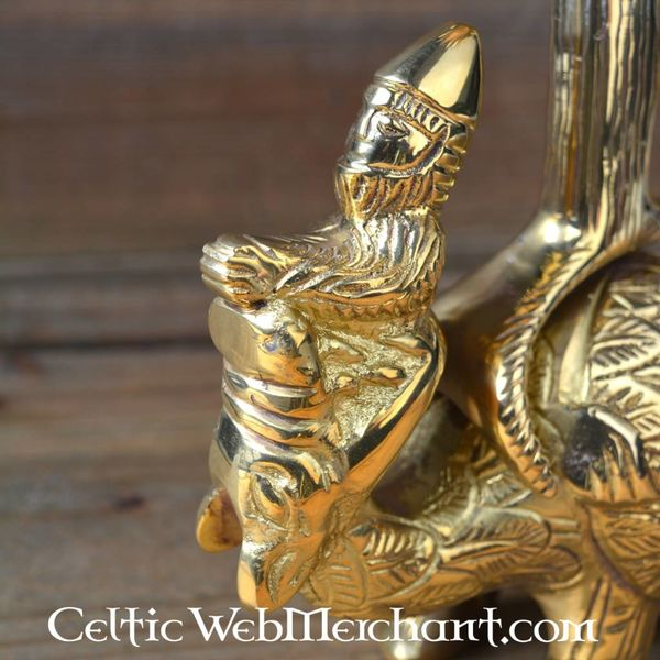 Gothic griffin latarnia