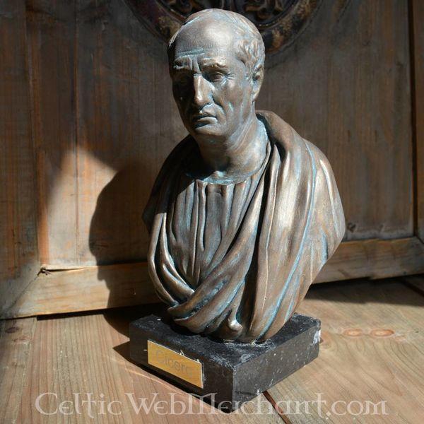 Opalony biust Cicero