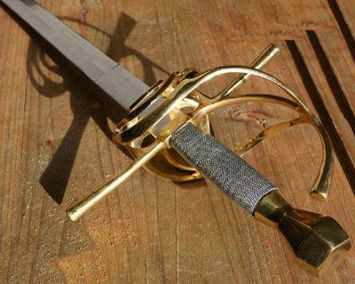 Replica rapir semi-skarp og battle-ready