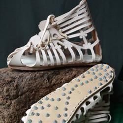 Chaussures Grecques et Romaines