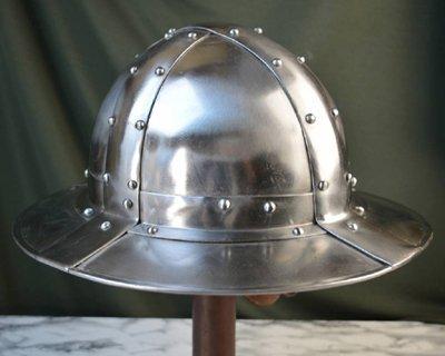 Battle-ready kettle hats