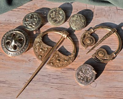 Viking, broches germaniques et irlandaises