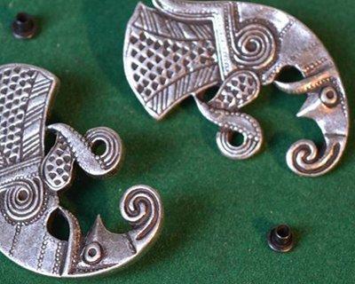 Hebillas y accesorios medievales