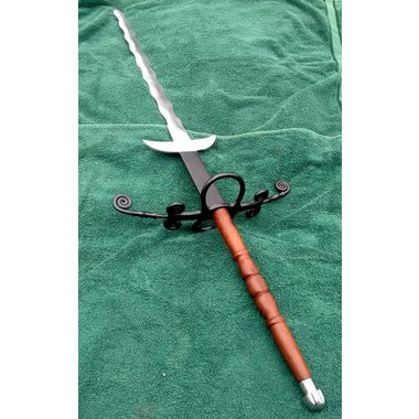 Flamberge with wooden grip