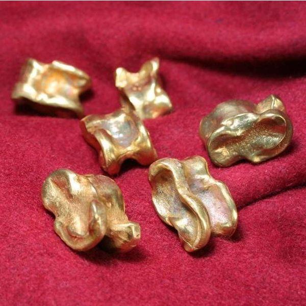 Roman astragalus (knucklebone), bronze