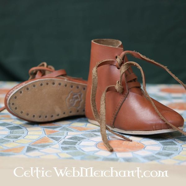 15th century kids shoes