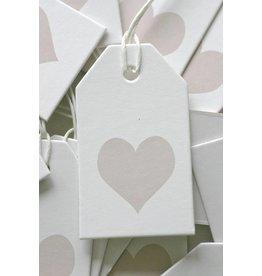 Label karton wit met hartje lichtbruin
