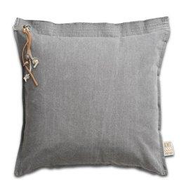 Knit Factory kussen 'Mara' lichtgrijs