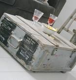 Oude originele legerkist 64x54cm, vergrijsd