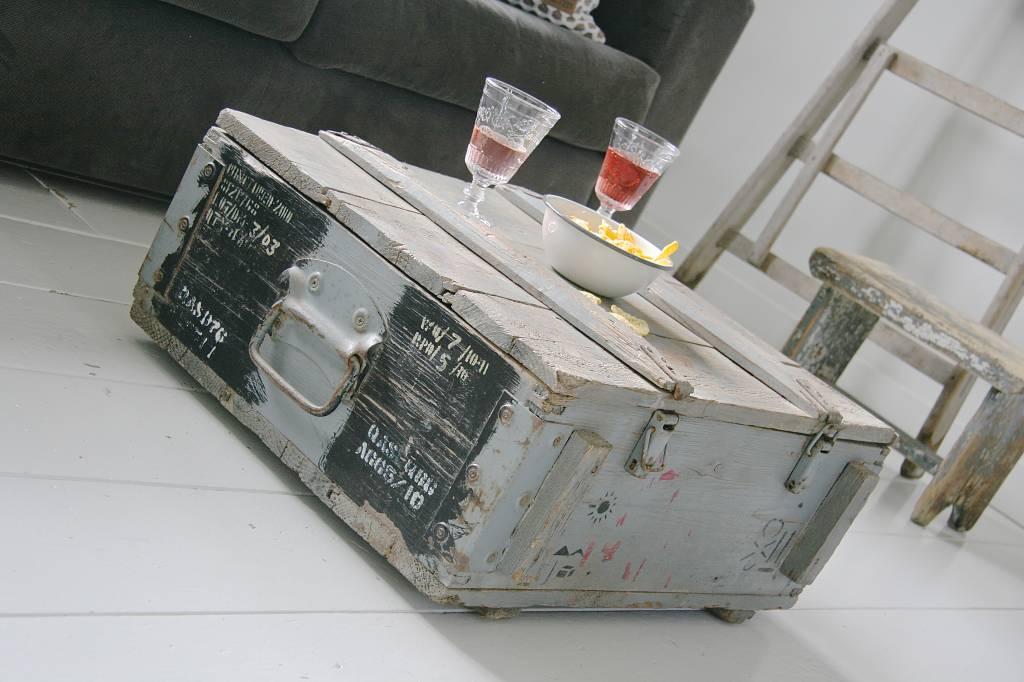 Oude originele legerkist 64x54cm vergrijsd label123 - Originele toiletdecoratie ...