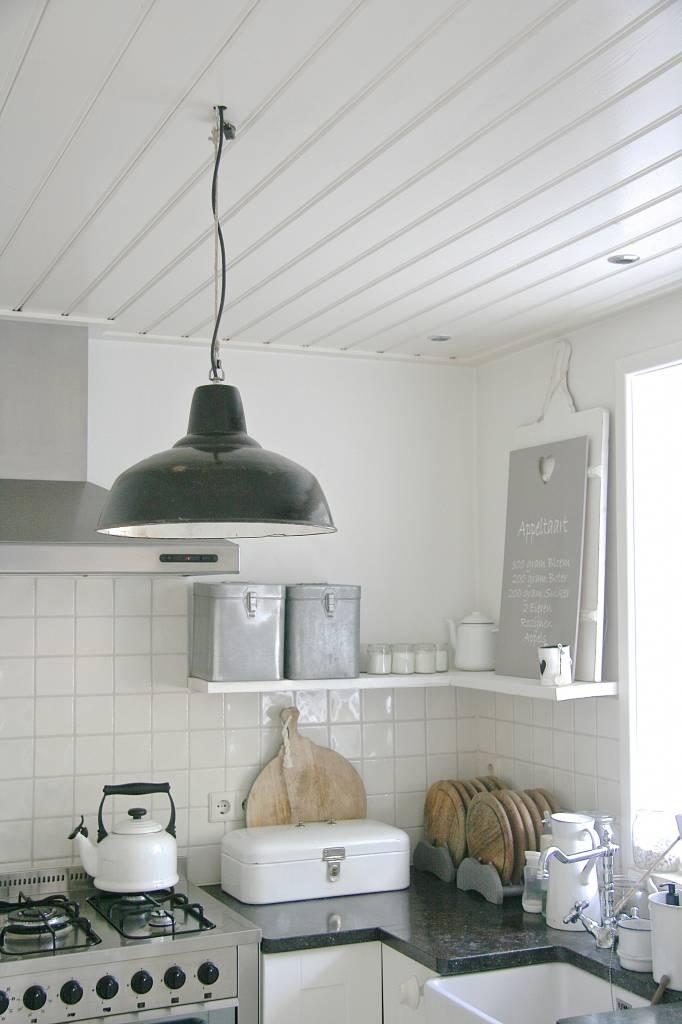 Industriële atelier lamp emaille zwart   label123