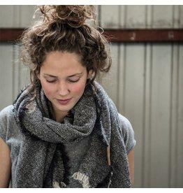 Zusss Gespikkelde sjaal zwart