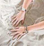 Zusss Kralenarmband marmer grijs met bedeltje mat zilver 18cm