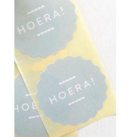 Ronde sticker hoera kartel, soft green, 10st