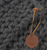 Zusss Stoer gebreid woonplaid 140x170cm, steengrijs