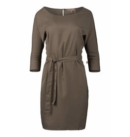 Zusss sjiek jurkje met centuur leemgroen L/XL