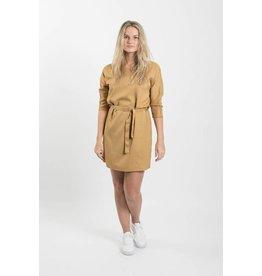 Zusss sjiek jurkje met centuur oker M/L