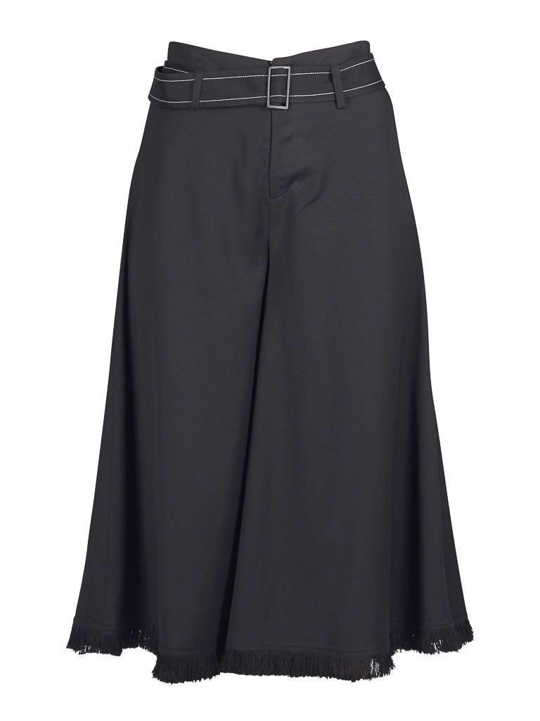 Áeron Abgeschnitten Flair Hose mit Gürtel schwarz