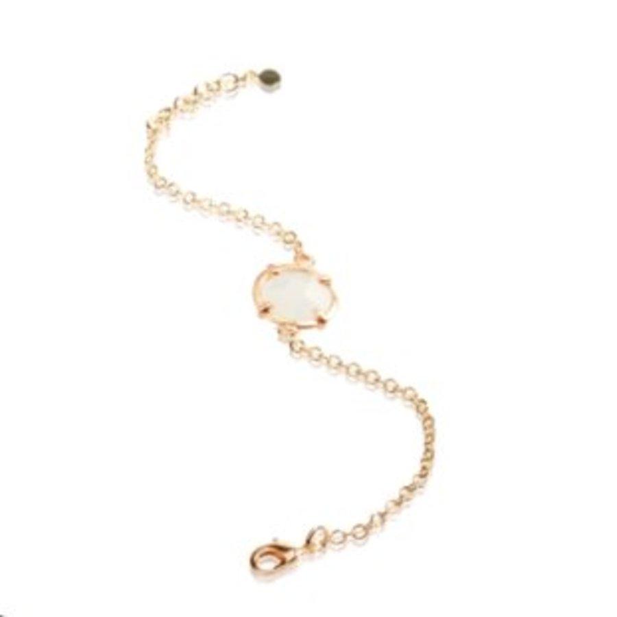 Round stone bracelet - Gold/ White quartz