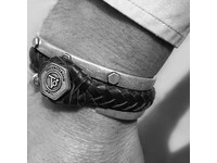 THE BOLD RIVET CUFF - SILVER PLATED