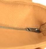Unleaded Luxe, simpele Malibu schoudertas in cognac kleur