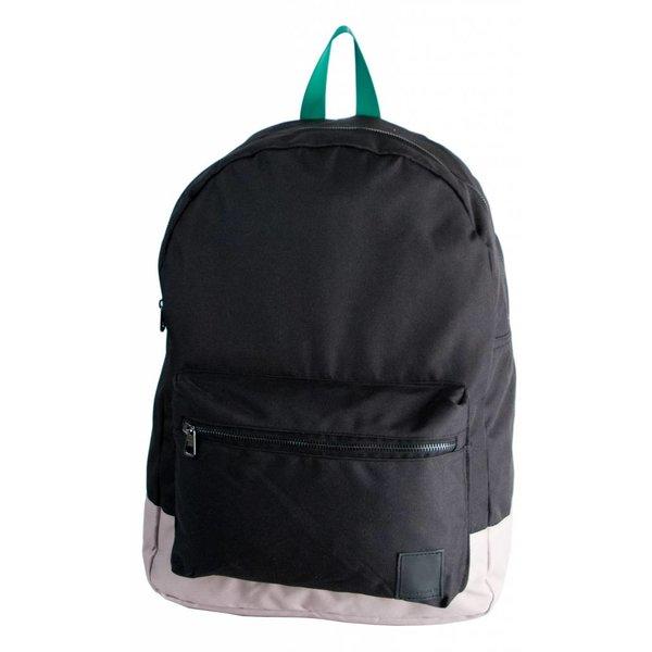 stoere zwarte backpack Charlies Angels met groene details