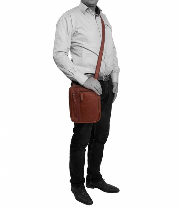The Chesterfield Brand Shoulderbag 'Edward' Wax Pull up Cognac