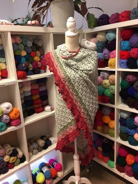 Een Southbay Omslagdoek Haken Van Drops Belle Dé Wolwinkel Voor