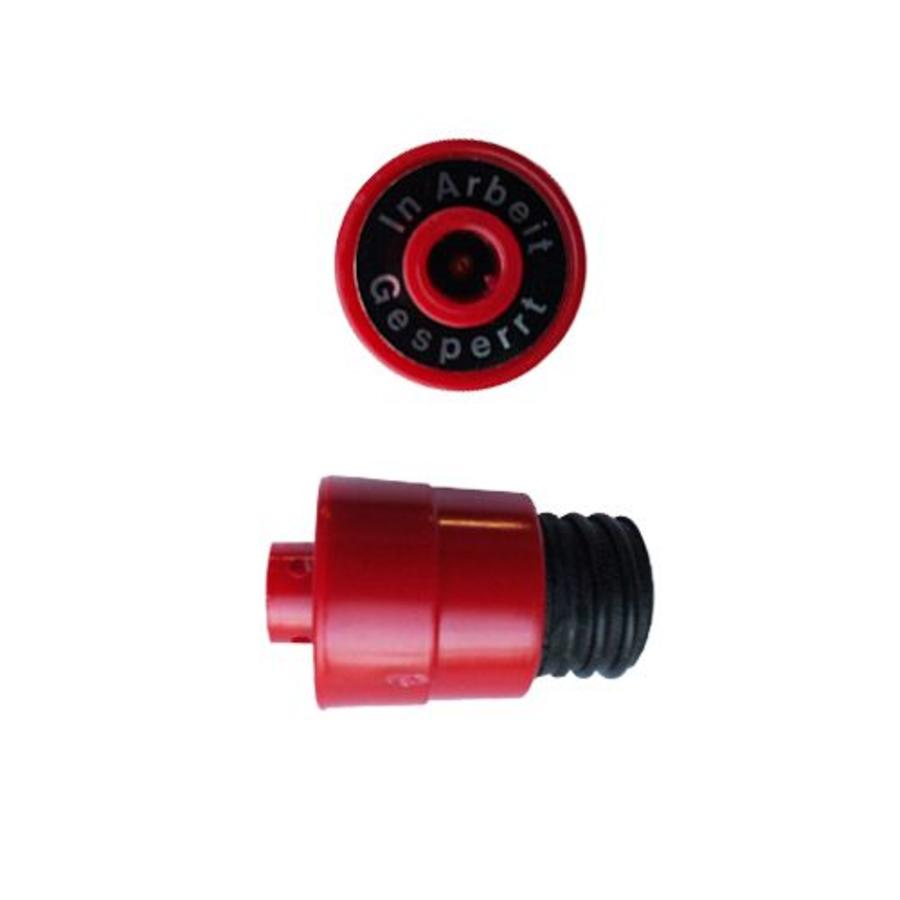 Insulation plugs for fuses