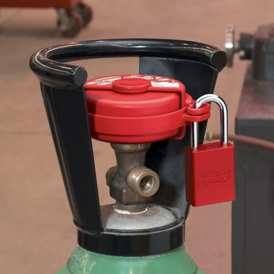 Pressurised gas valve lock-out S3910