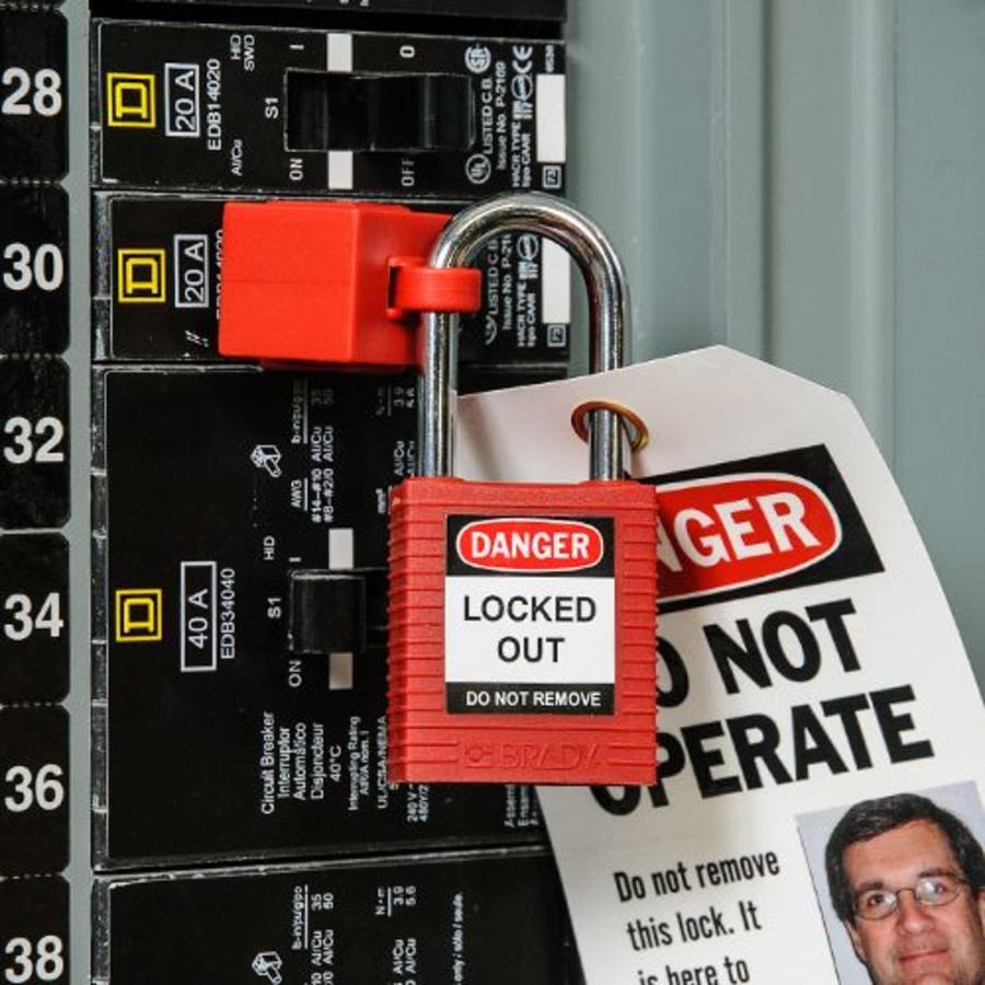 Schutzschalterverrieglung (ohne Loch) 065396-065397