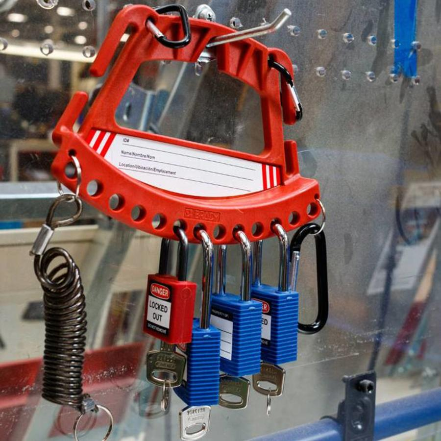 Kit with padlock carrier 148867