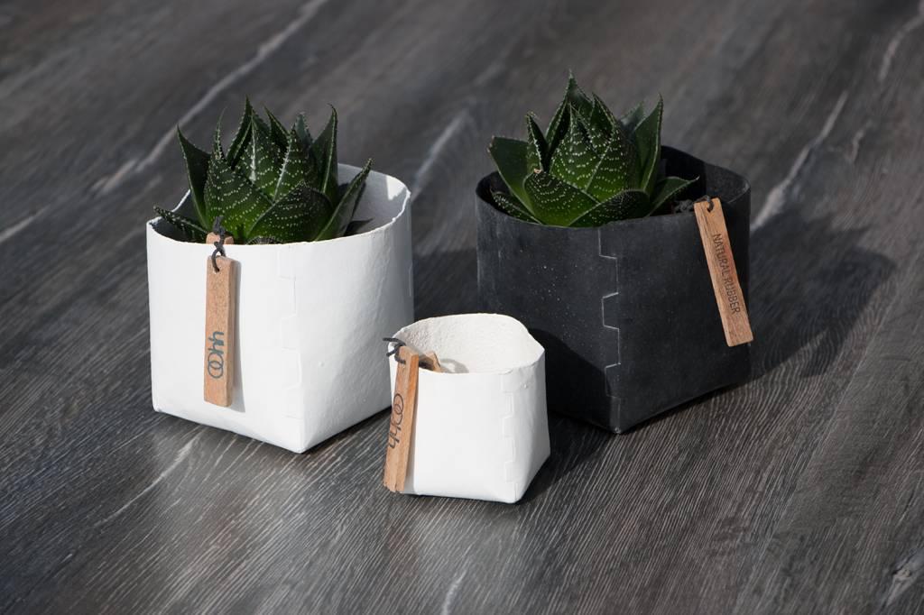 oohh beh lter aus papier und naturgummi wohnbeiwerk. Black Bedroom Furniture Sets. Home Design Ideas