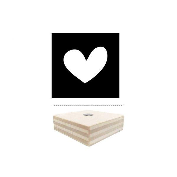 dots lifestyle Magnet schwarz mit Herz aus Holz